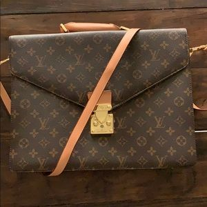 AUTHENTIC Louis Vuitton briefcase